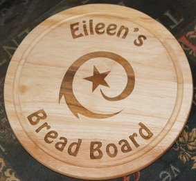 Personalised Circular chopping board gift