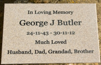 Lovely colour for memorial plaques. Font Georgia. ref - 1311.SE.005
