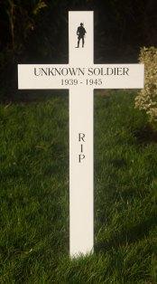 Oak memorial cross painted white
