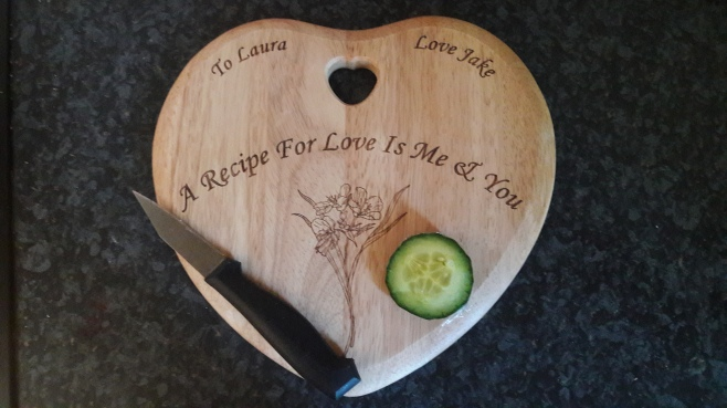 heart-chopping-board
